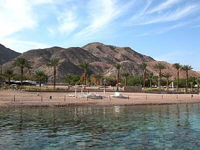 Eilat,_plage_de_Corail,_tb110802wr.jpg