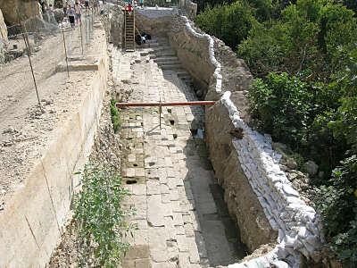 Excavations_des_bains_de_Siloe_vues_du_n