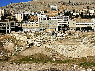 Temple de Baal Berith de Sichem vu du sud